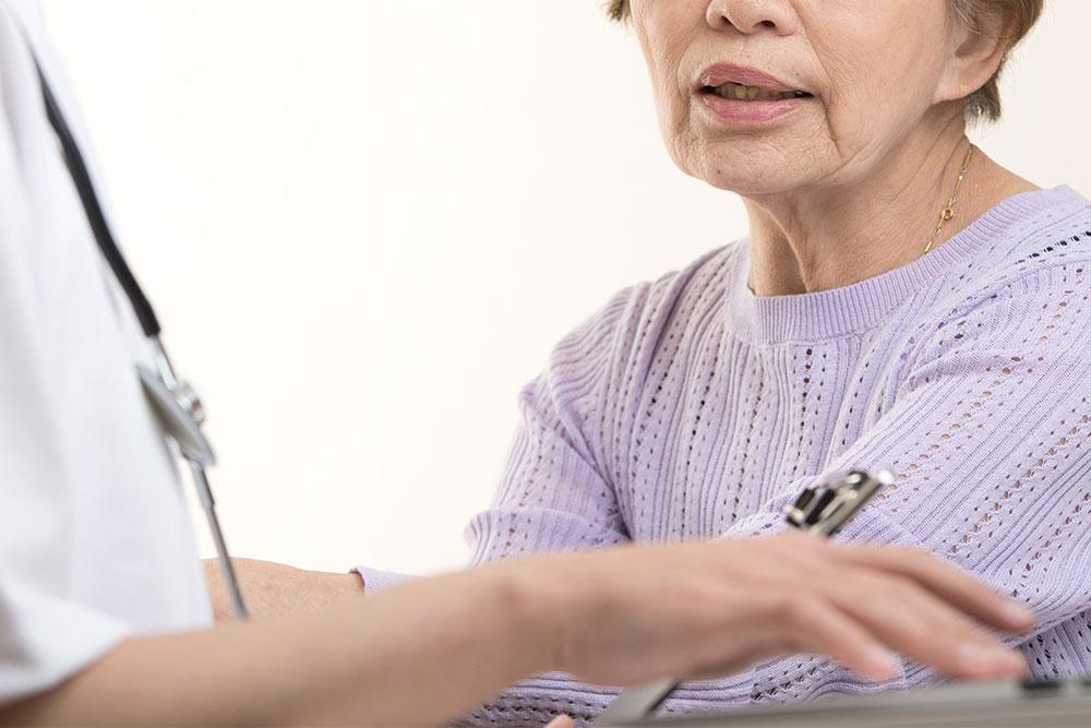 クリスタルミツル歯科 高齢者の方の抜歯治療